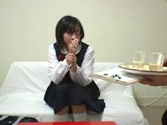 5月19日新片:老师下药迷昏自己的学生然后强奸-0