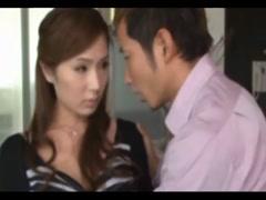 男同事遭遇F奶人妻,求爱不成就只能强奸【色哥哥和妹妹乱伧】了!